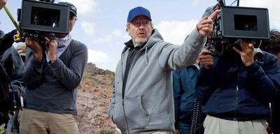 Ridley Scott bei den Dreharbeiten fürDer Mann, der niemals lebte (2008)