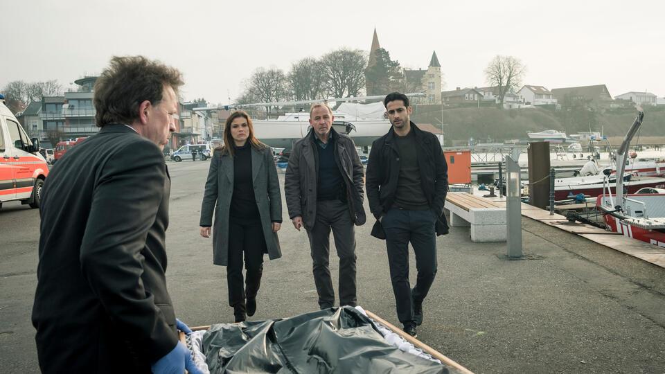 Stralsund - Schattenlinien mit Katharina Wackernagel, Alexander Held und Karim Günes