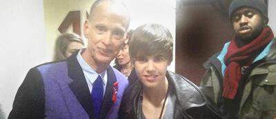 John Waters mit Justin Bieber