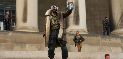 Heldenpose? Bane in The Dark Knight Rises