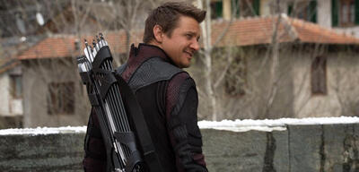 Jeremy Renner inAvengers 2: Age of Ultron