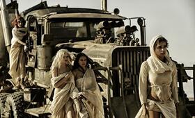 Mad Max: Fury Road mit Zoë Kravitz, Riley Keough, Abbey Lee und Courtney Eaton - Bild 7