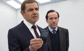 Johnny English - Man lebt nur dreimal mit Rowan Atkinson und Ben Miller - Bild 5