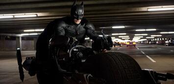 Bild zu:  Batman auf seinem Batpod