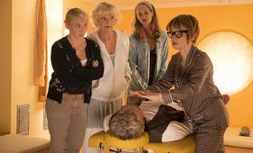 Wenn Frauen ausziehen mit Anna Maria Mühe, Saskia Vester, Sophie von Kessel, Jean-Yves Berteloot und Barbara De Koy - Bild 1