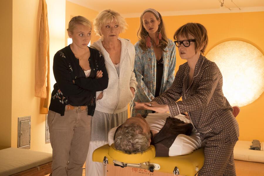 Wenn Frauen ausziehen mit Anna Maria Mühe, Saskia Vester, Sophie von Kessel, Jean-Yves Berteloot und Barbara De Koy