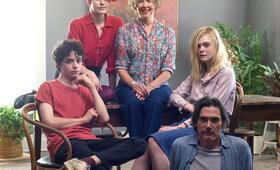 20th Century Women mit Elle Fanning, Greta Gerwig, Billy Crudup, Annette Bening und Lucas Jade Zumann - Bild 26