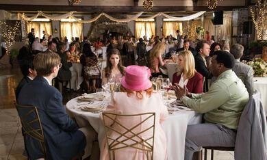 Table 19 mit Anna Kendrick, Lisa Kudrow, Craig Robinson, Stephen Merchant, Tony Revolori und June Squibb - Bild 8