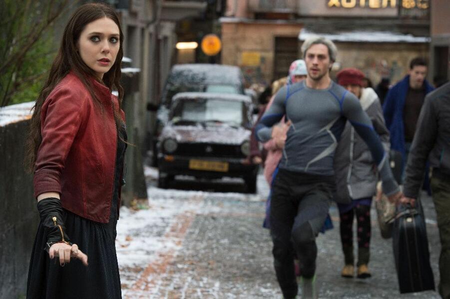 Marvel's The Avengers 2: Age of Ultron mit Aaron Taylor-Johnson und Elizabeth Olsen