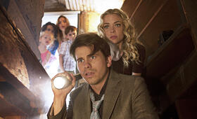 Bitch mit Jaime King, Brighton Sharbino, Jason Ritter, Kingston Foster, Jason Maybaum und Rio Mangini - Bild 1