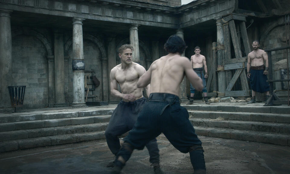 King Arthur: Legend of the Sword mit Charlie Hunnam