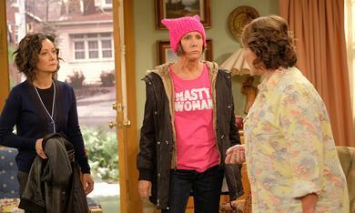Roseanne Revival, Roseanne Revival - Staffel 1 mit Sara Gilbert, Laurie Metcalf und Roseanne Barr - Bild 4