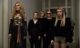 American Horror Story Staffel 3 mit Emma Roberts, Evan Peters, Taissa Farmiga, Sarah Paulson und Lily Rabe - Bild 9