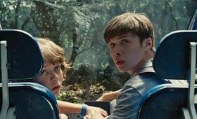Jurassic World mit Nick Robinson und Ty Simpkins - Bild 26