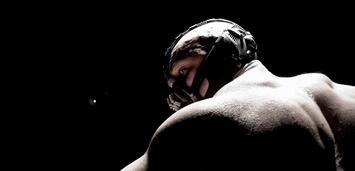 Bild zu:  Bane (Tom Hardy) hat gelernt sich zu artikulieren