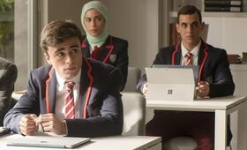 Elite, Elite - Staffel 1 mit Miguel Herrán, Mina El Hammani und Itzan Escamilla - Bild 17