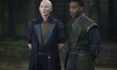 Doctor Strange mit Tilda Swinton und Chiwetel Ejiofor - Bild 3