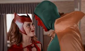 WandaVision, WandaVision - Staffel 1, WandaVision - Staffel 1 Episode 5 mit Paul Bettany und Elizabeth Olsen - Bild 6