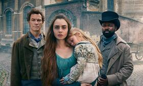 Les Misérables, Les Misérables - Staffel 1 mit Lily Collins, Dominic West und David Oyelowo - Bild 90