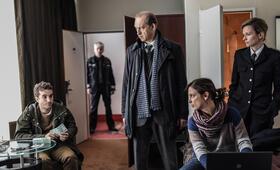Nord Nord Mord: Sievers und die Frau im Zug mit Peter Heinrich Brix und Julia Brendler - Bild 11