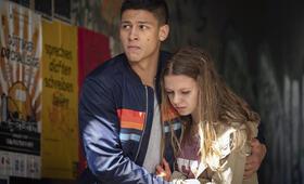 Tatort: Das verschwundene Kind mit Emilio Sakraya und Lilly  Barshy - Bild 2