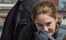 Die Bestimmung - Divergent mit Shailene Woodley und Theo James - Bild 5