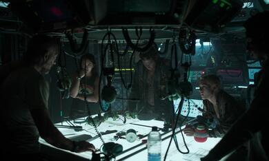 Underwater mit Vincent Cassel, Kristen Stewart, T.J. Miller, Jessica Henwick und Mamoudou Athie - Bild 10