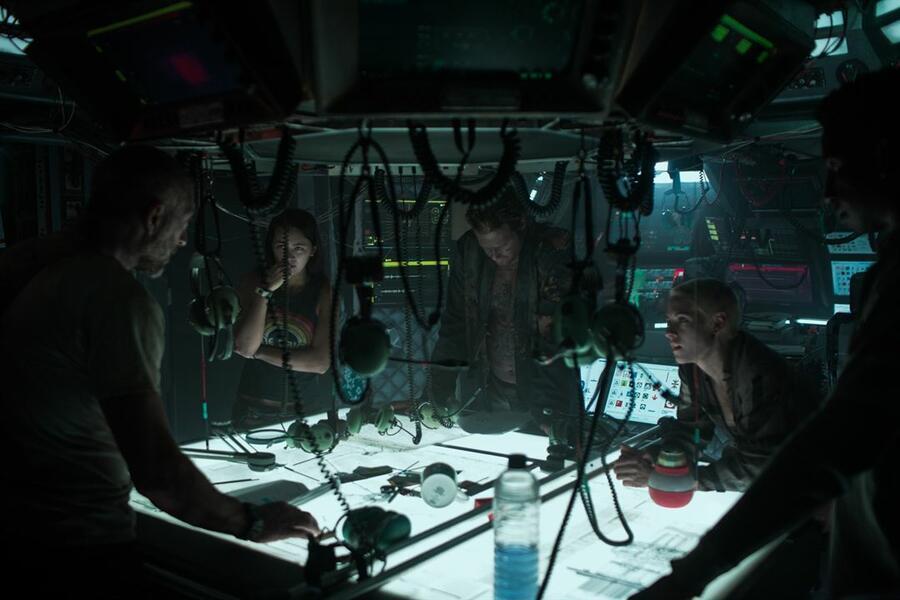 Underwater mit Vincent Cassel, Kristen Stewart, T.J. Miller, Jessica Henwick und Mamoudou Athie