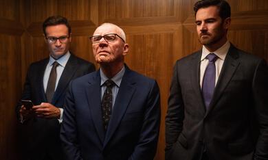 Bombshell mit Malcolm McDowell, Ben Lawson und Josh Lawson - Bild 2
