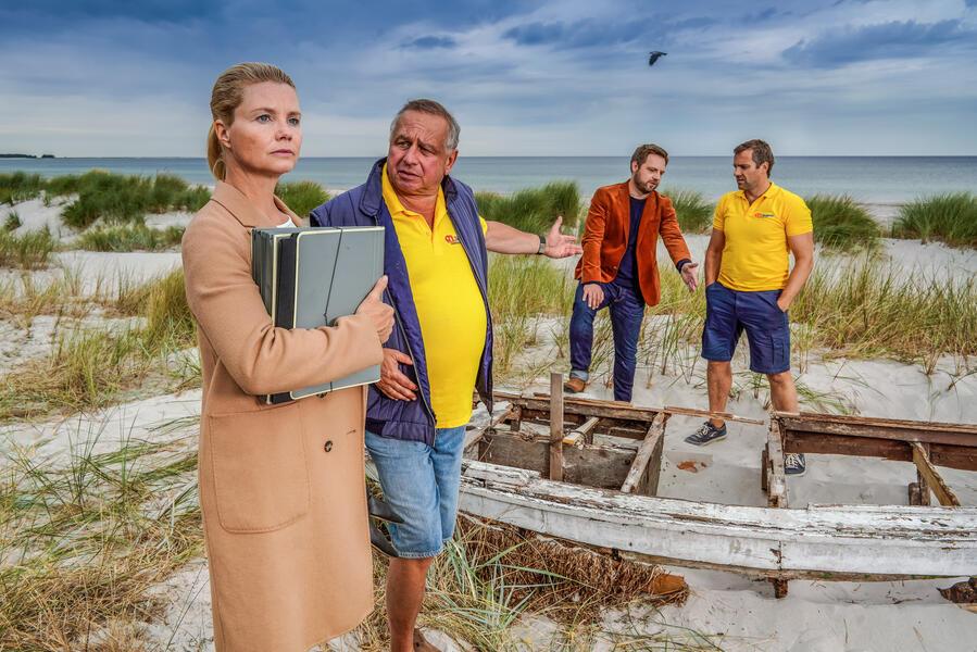 Ella Schön - Die nackte Wahrheit mit Annette Frier, Christoph Letkowski, Hilmar Eichhorn und Stefan Rudolf