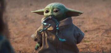 Baby Yoda sieht aus wie eine Vinyl-Figur