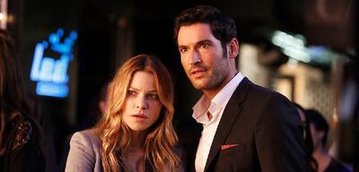Lauren German und Tom Ellis in Lucifer