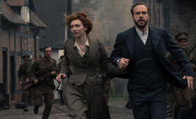 War of the Worlds, War of the Worlds - Staffel 1 mit Rafe Spall und Eleanor Tomlinson - Bild 11