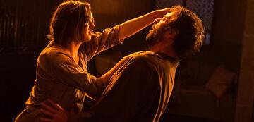 Maisie Williams und Ian Beattie in Game of Thrones