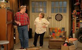 Roseanne Revival, Roseanne Revival - Staffel 1 mit John Goodman und Roseanne Barr - Bild 13