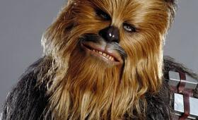 Peter Mayhew in Star Wars III - Die Rache der Sith - Bild 8