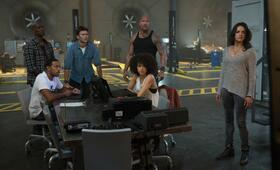 Fast & Furious 8 mit Dwayne Johnson, Michelle Rodriguez, Tyrese Gibson, Chris 'Ludacris' Bridges, Scott Eastwood und Nathalie Emmanuel - Bild 29