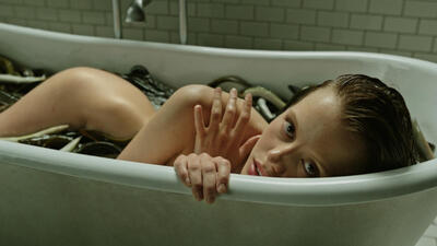 A cure for wellness mit mia goth