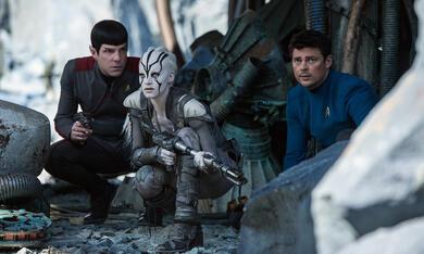 Star Trek Beyond mit Karl Urban, Zachary Quinto und Sofia Boutella - Bild 1