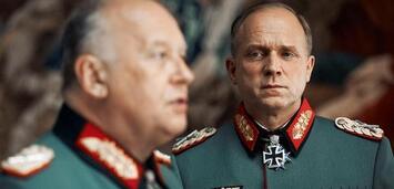 Bild zu:  Thomas Thieme und Ulrich Tukur in Rommel