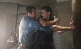 Storm Hunters mit Richard Armitage und Sarah Wayne Callies - Bild 4