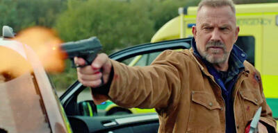 Kevin Costner im Action-Thriller Brain Off - Being Ryan Reynolds