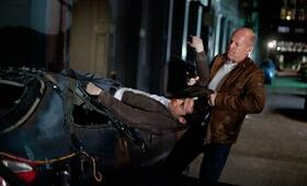 Looper mit Bruce Willis und Joseph Gordon-Levitt - Bild 127