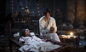 Der Medicus mit Tom Payne - Bild 15