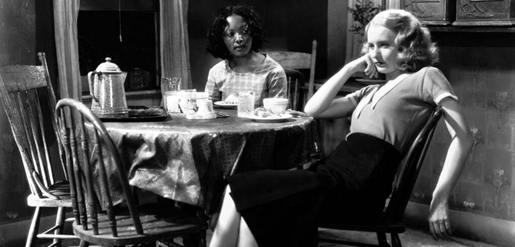 Barbara Stanwyck und Theresa Harris in Baby Face