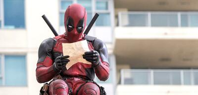 Ryan Reynolds in Deadpool.
