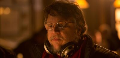 Guillermo del Toro am Set von Crimson Peak