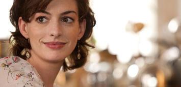Bild zu:  Anne Hathaway in Zwei an einem Tag