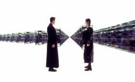 Matrix mit Keanu Reeves und Carrie-Anne Moss - Bild 8