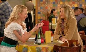 Roseanne Revival, Roseanne Revival - Staffel 1 mit Sarah Chalke und Alicia Goranson - Bild 9